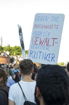 """""""Gegen die massenhafte Anreise gewaltbereiter Politiker"""""""